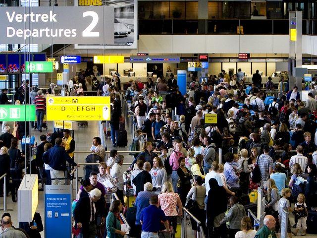 Raffiche di vento all 39 aeroporto di amsterdam l 39 elenco dei - Agenzie immobiliari amsterdam ...