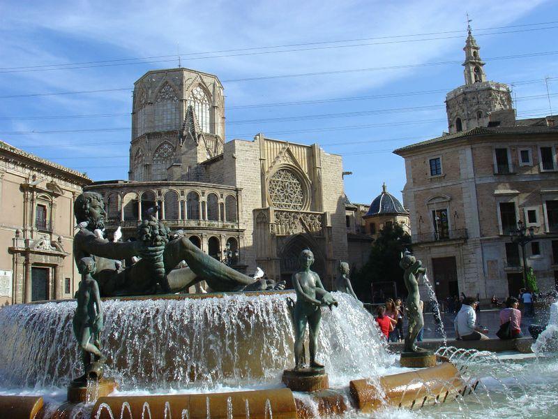 Spagna, una tassa di soggiorno per i territori della ...