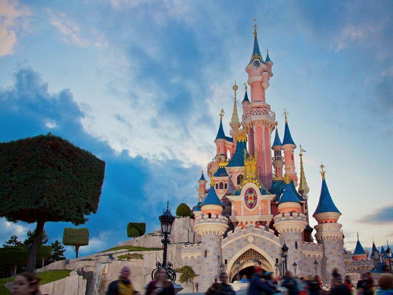 Disneyland Paris lancia Magic Box: in agenzia dal 2017 | TTG ...
