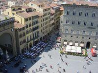 Firenze, aumenta la tassa di soggiorno per alberghi e Airbnb | TTG ...