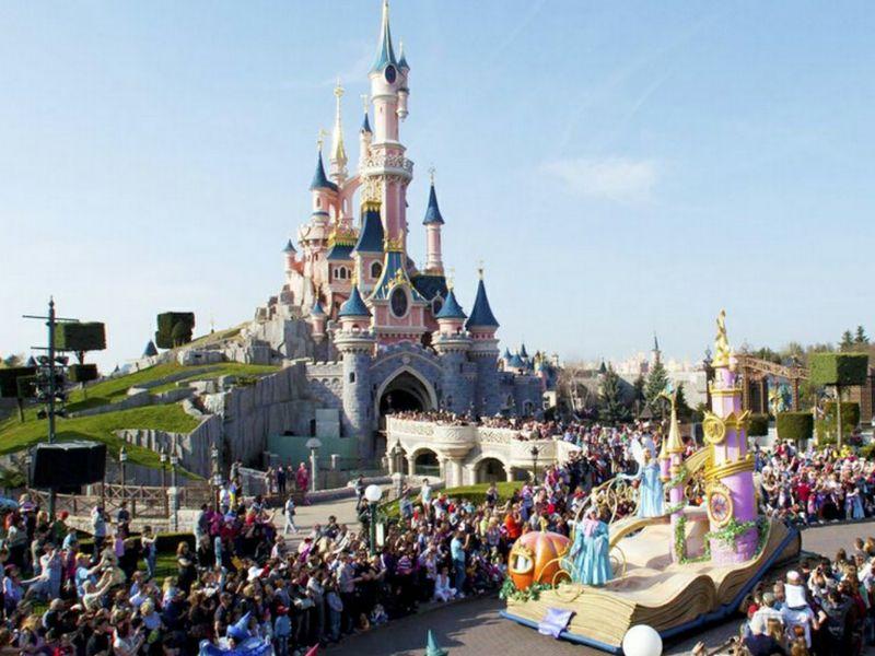 Disneyland paris incentiva l advance booking ttg italia for Pacchetti eurodisney volo soggiorno