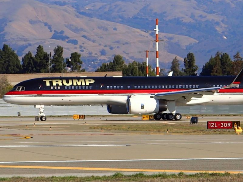 Jet Privato Autonomia : Donald trump vola con il b i segreti dell aereo