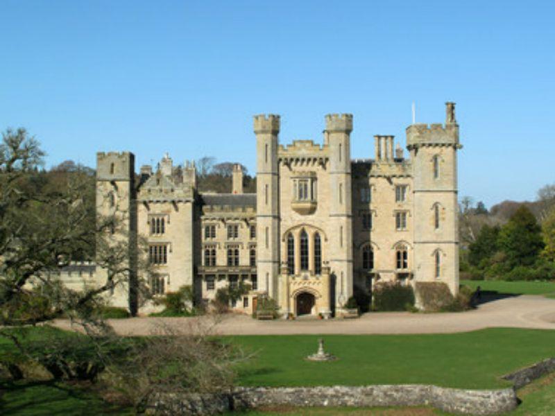 HomeAway, soggiorno in un castello del XIV secolo per l\'uscita di ...