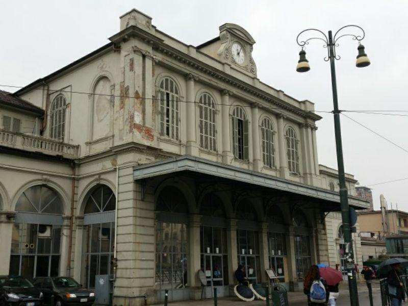 Torino la storica stazione di porta susa in vendita - Orari treni milano torino porta susa ...