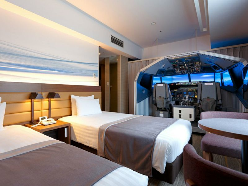 Da Tokyo a Osaka con il simulatore di volo nella camera dell ...