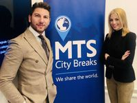 Giacomo Morra, responsabile del mercato italiano, ed Ellie Varna, sales manager di MTS City Breaks